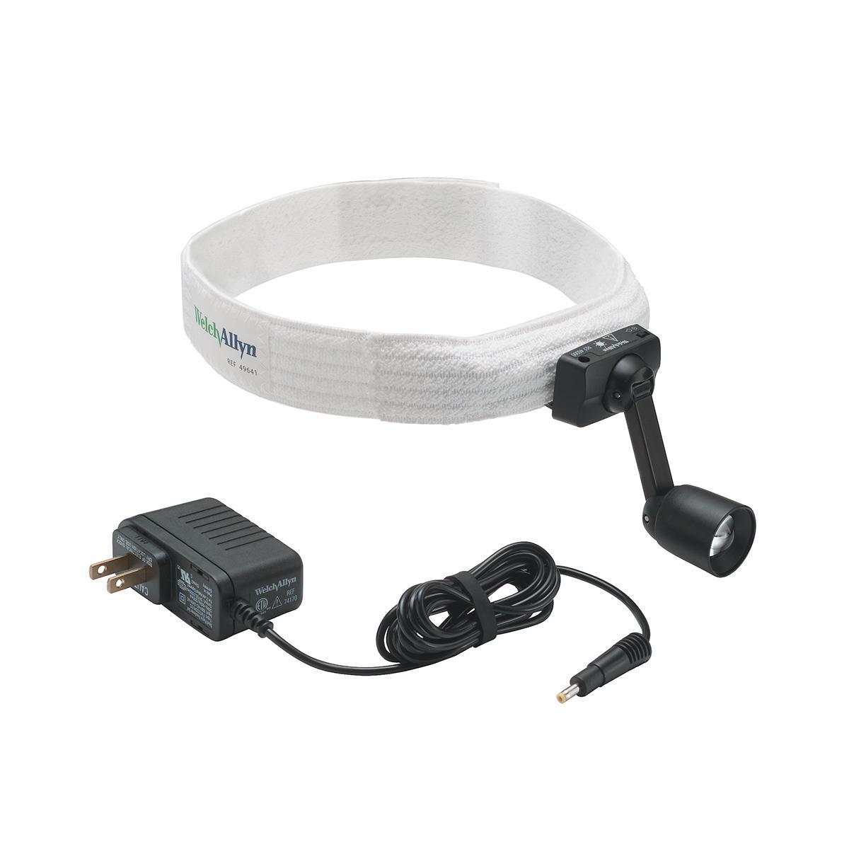 白色ヘッドバンドと電源コードに取り付けた 460 Green Series 診断ヘッドライト