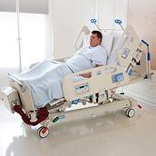 The FlexAfoot feature allows the Compella Bariatric Bed to be quickly lengthened to accommodate taller patients.